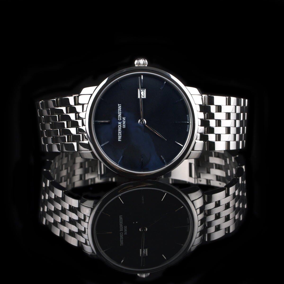 Foto af Frederique Constant stål ur med mørkeblå skive