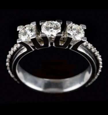 Photo of diamond ring