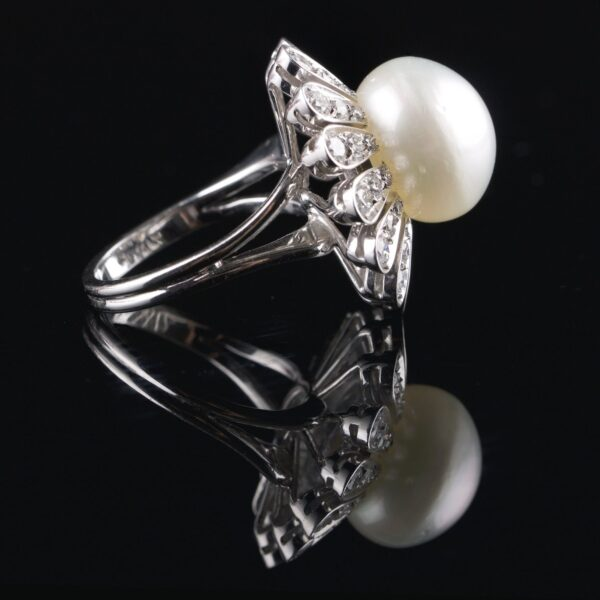Photo of pearl ring with diamonds