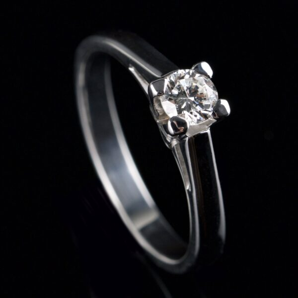 Solitaire diamond ring 0.35 ct