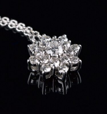 Photo of necklace with roset pendant 17 diamonds