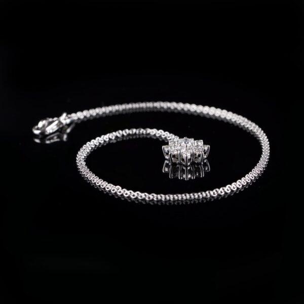 Photo of necklace with roset pendant 17 diamonds
