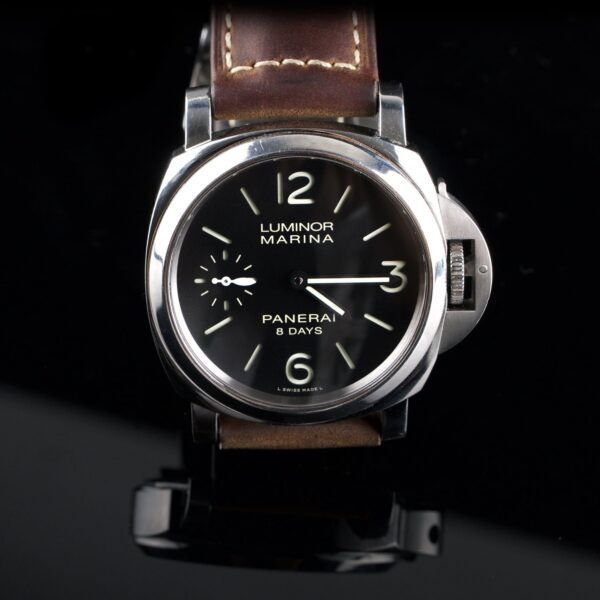 Photo of Panerai Luminor 8 days
