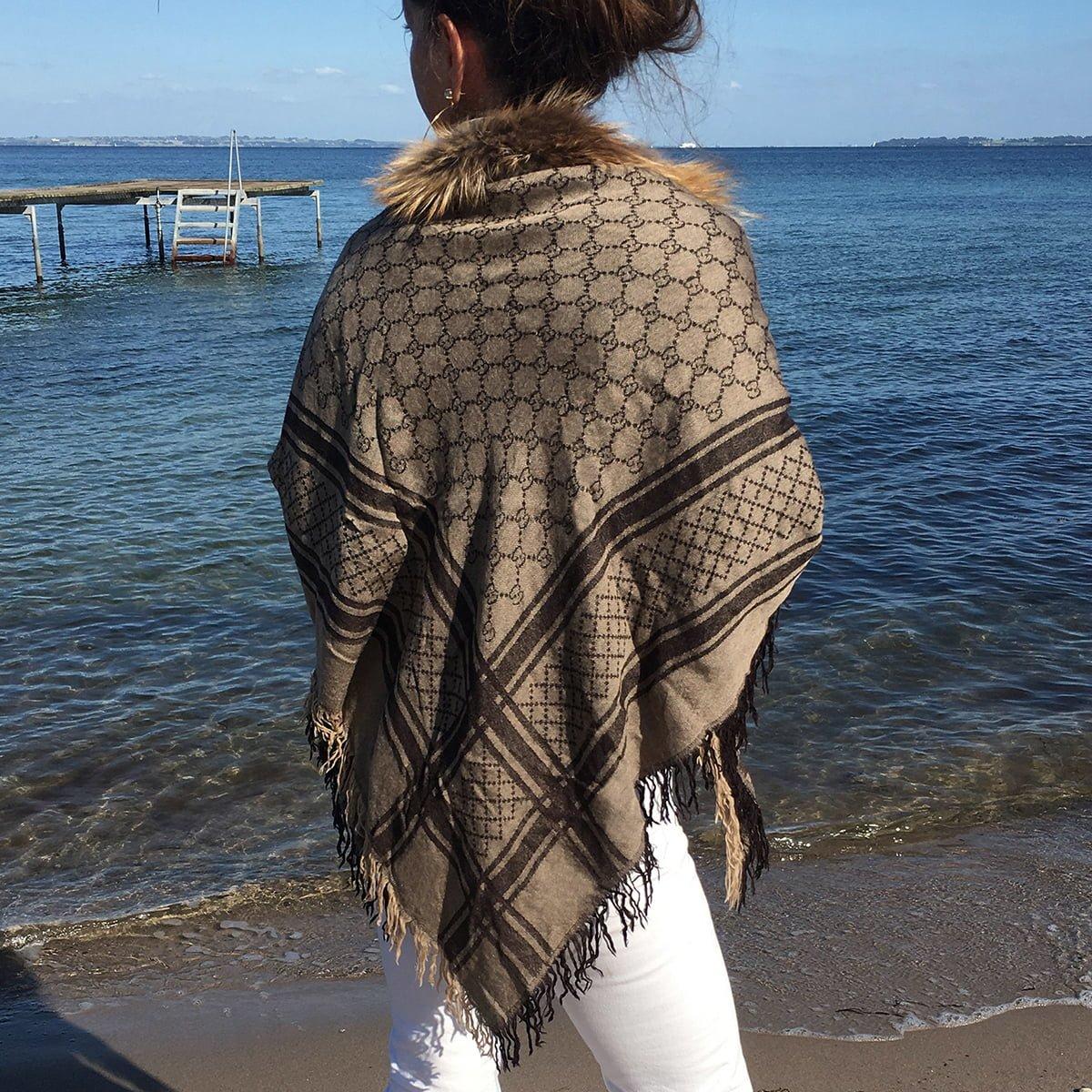 462b0a420f41 Gucci shawl classic jpg 1200x1200 Gucci scarf shawl